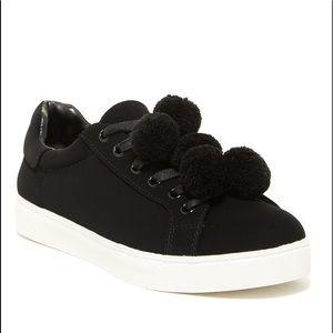 Circus 9 Carmela Pom Pom Sneakers Black New No Box